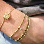 On joue sur l'accumulation de bracelets 💫  #belettecollection #eshop #bijoux #pierresnaturelles #pierressemiprecieuses #fannyblanche #shoponline #boho #picoftheweek #ootd #look #mode #style #pyrites #boutiqueenligne #pyritestone #creatricefrancaise #createur #bijouxfaitmain #instajewerly